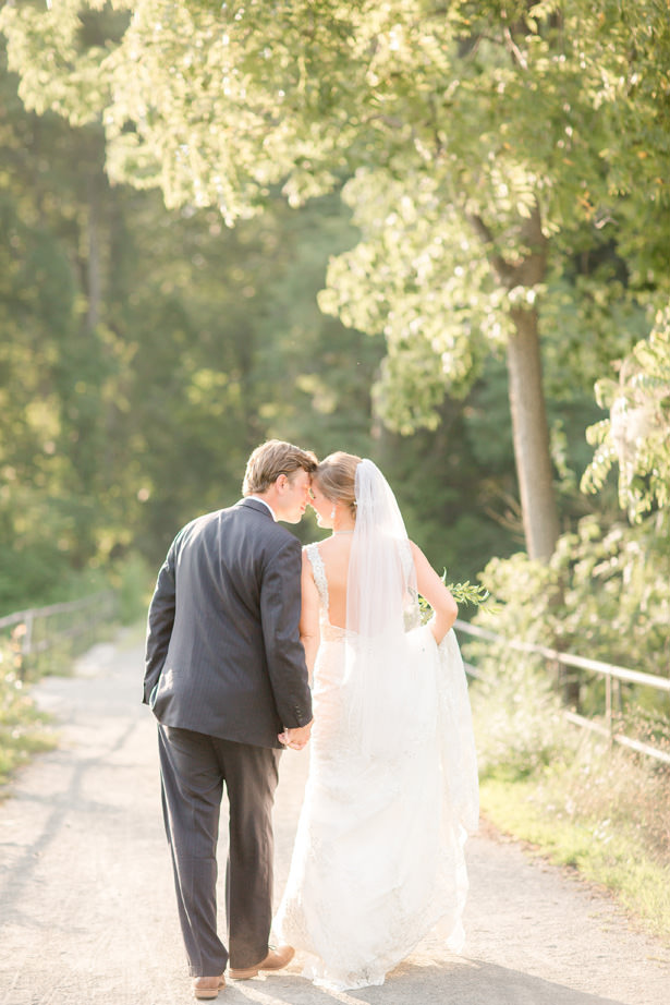 Romantic wedding photo - Idalia Photography