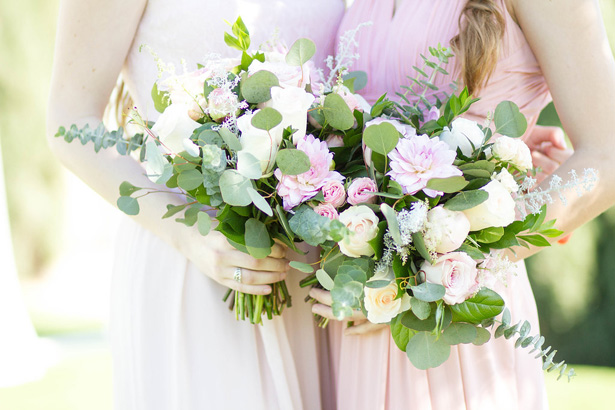 Wild blush rose and greenery wedding bouquets - Janita Mestre Photography
