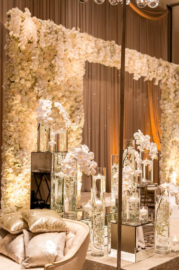 White flower wall wedding installation - Photographer: Julia Franzosa