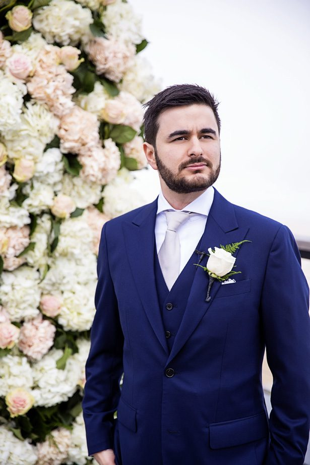 Groom blue suit - Photography: Adam Opris