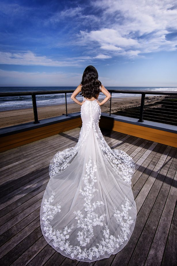 Lace mermaid wedding dress - Photography: Adam Opris