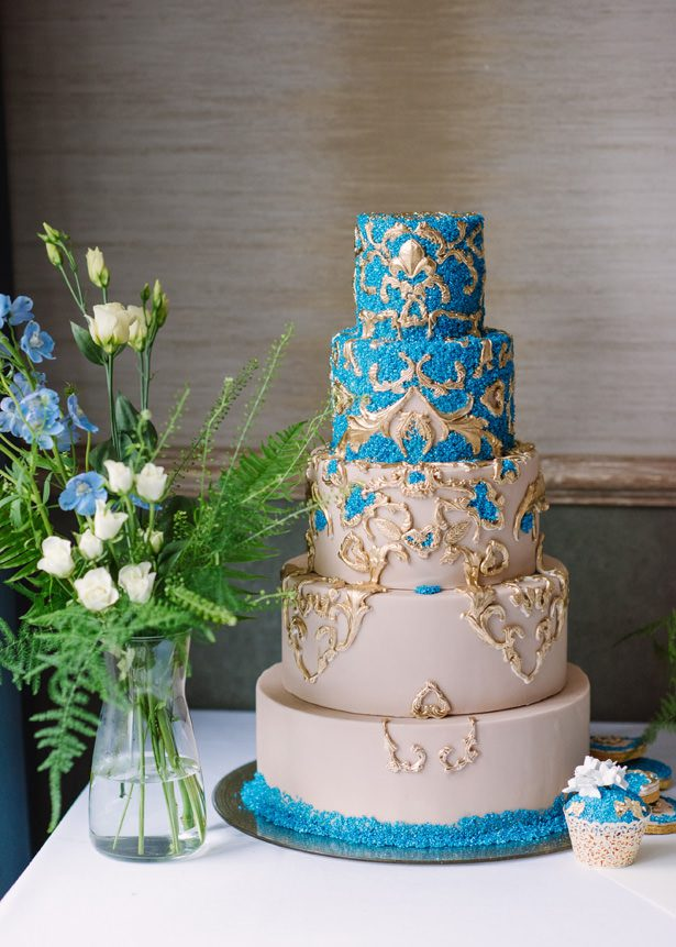 Luxe Wedding Cake - Tell Your Story Photography