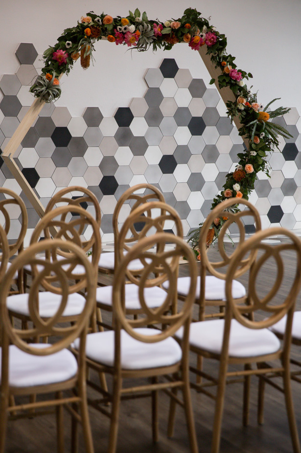 Modern geometric wedding ceremony ideas - OANA FOTO