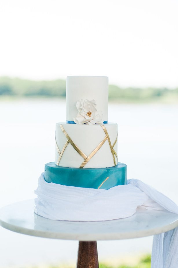 Sophisticated Wedding Cake - George and Claudia Photography