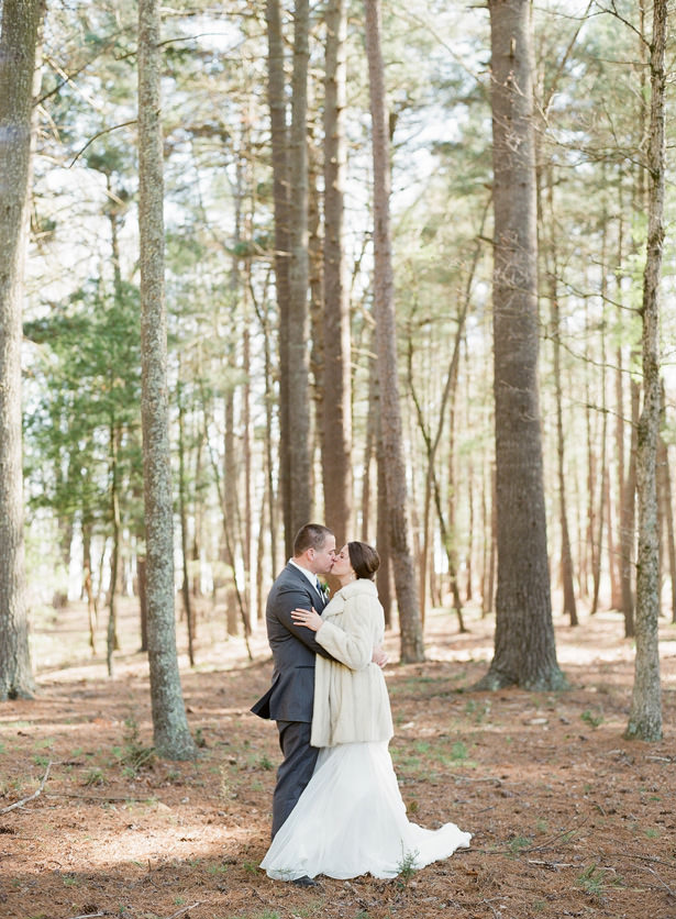 Romantic Wedding Photo - Almond Leaf Studios