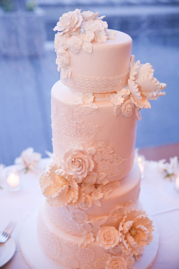 White lace luxury wedding cake - Photography: Adam Opris