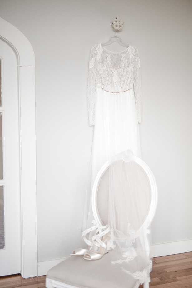 Elegant Winter Wedding Dress - Kathy Beaver Photography