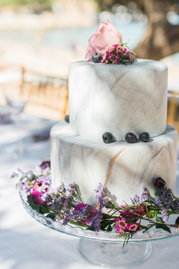 Marble Wedding Cake with Blue Berries - Heike Moellers Photography