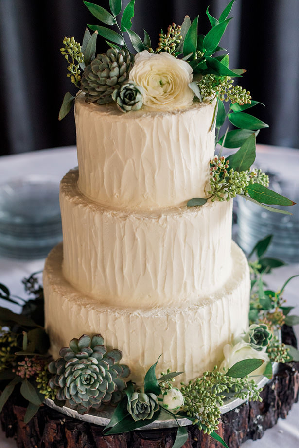 organice Wedding cake with greenery - Holly Marie Photography