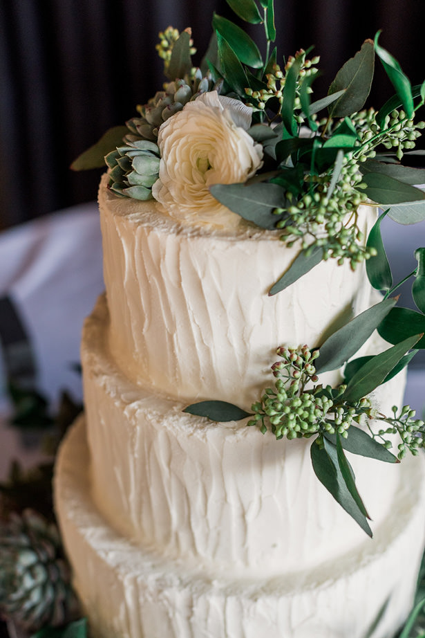 winter wedding cake - Holly Marie Photography