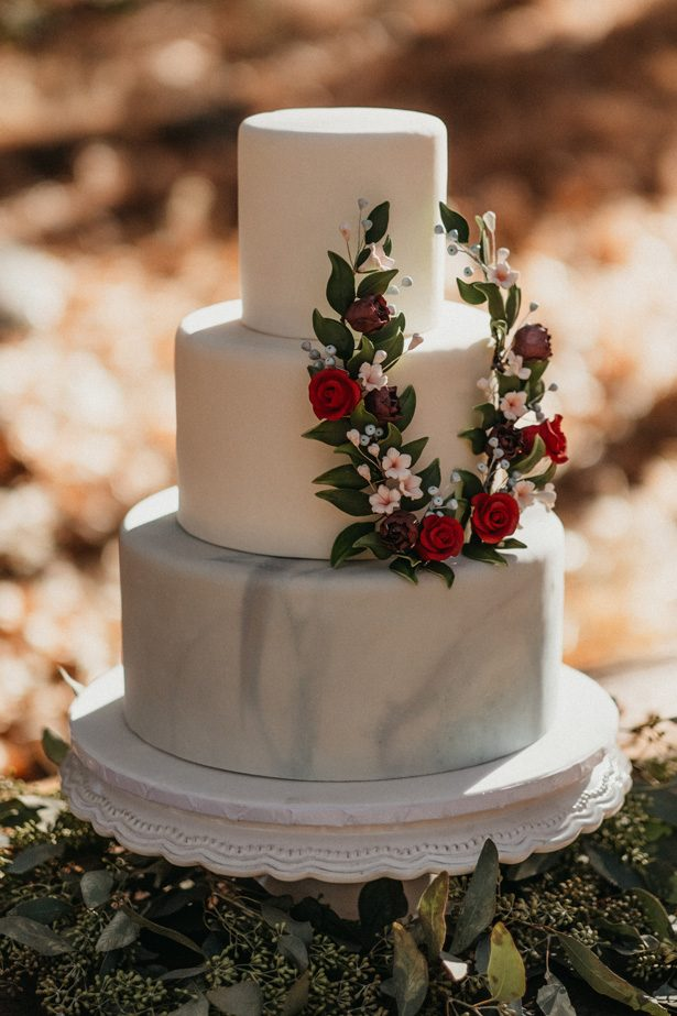 Classic Wedding Cake - The Blushing Details / Quattro Studios