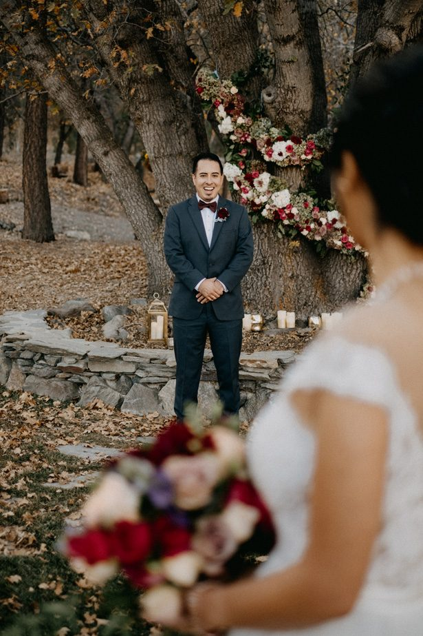 Grooms Gray Suit and Maroon Bowtie - The Blushing Details / Quattro Studios