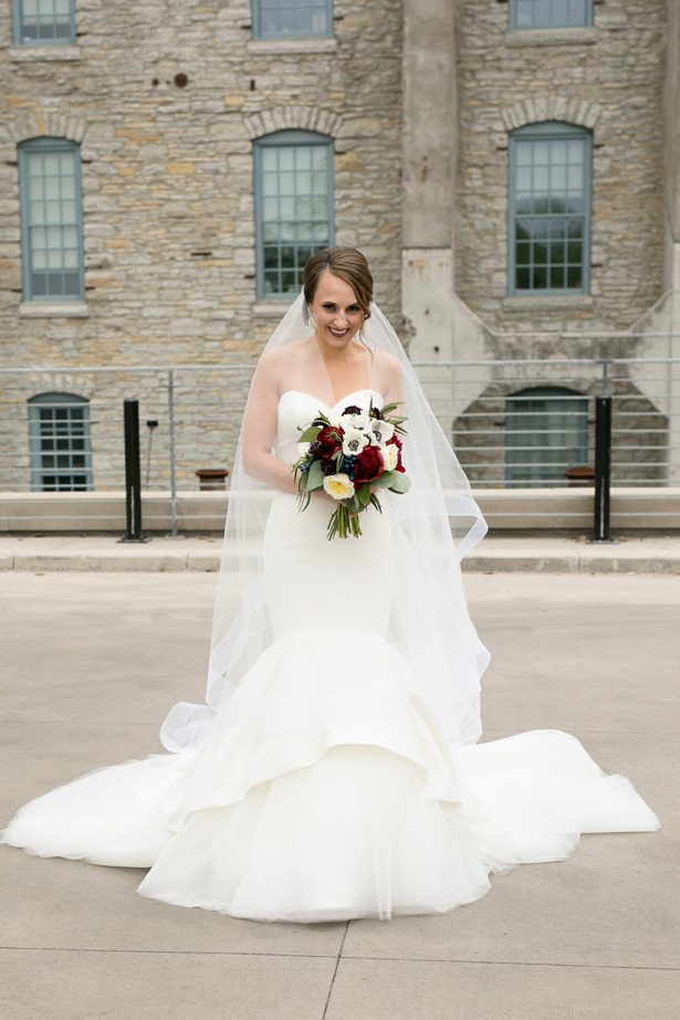 Mermaid strapless wedding dress with veil - Alice Hq Photography