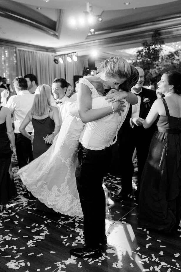 Romantic wedding photo first dance - Melissa Schollaert Photography