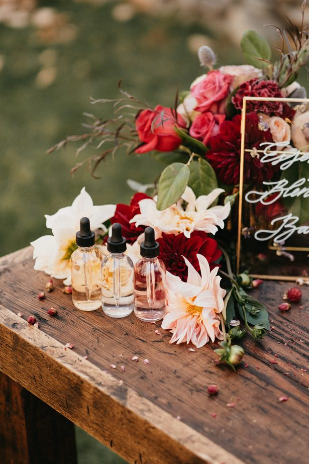 Wedding Perfume Bar - The Blushing Details / Quattro Studios