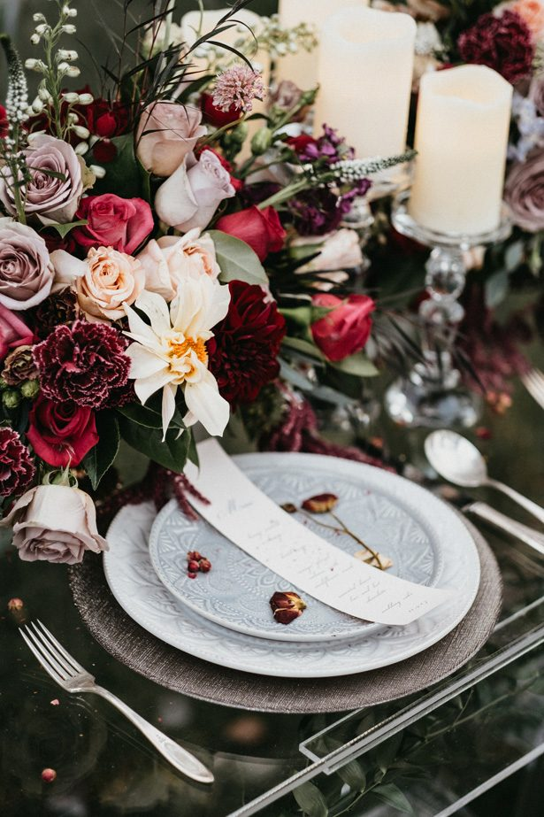 Winter Wedding place setting - The Blushing Details / Quattro Studios