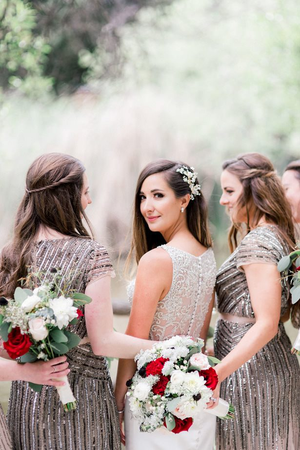 bridal party photo idea - XO and Fetti Photography