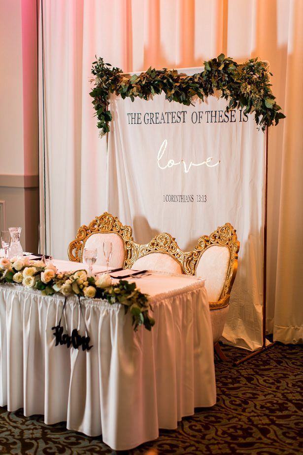 winter wedding sweetheart table - Abby Anderson