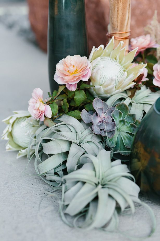 Bohemian wedding flowers - Photography: Kate Osborne