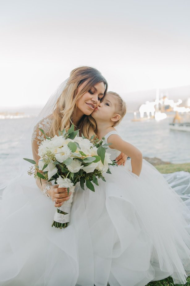 Cute flower girl and bride - Nichanh Nicole Photos