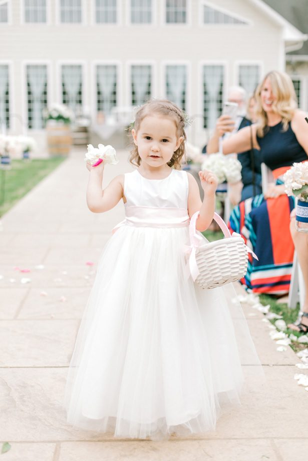 Flower girl dress - Photography: Lauren Westra
