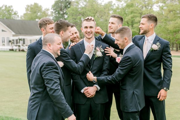Groomsmen fun photo - Photography: Lauren Westra