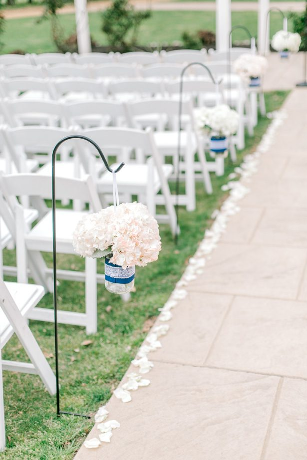 Outdoor wedding ceremony decor aisle - Photography: Lauren Westra