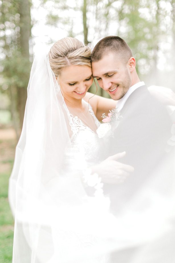 Romantic wedding photo - Photography: Lauren Westra