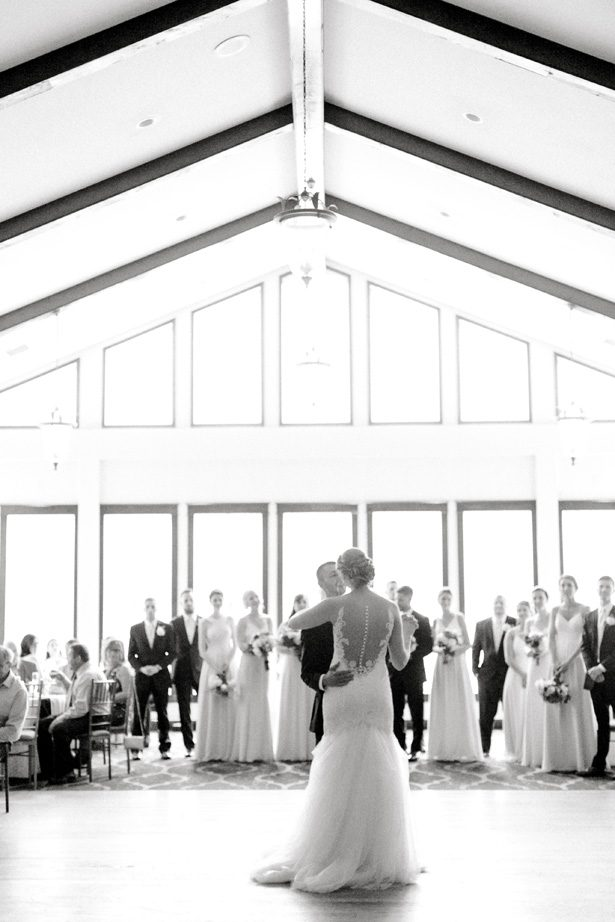 Romantic wedding photo - first dance - Photography: Lauren Westra