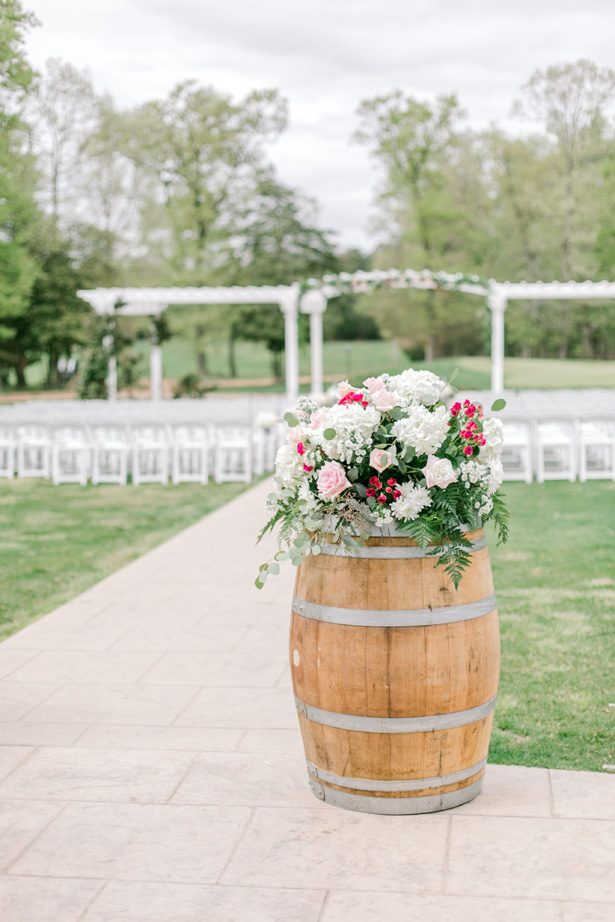 Wedding ceremony decor with flowers - Photography: Lauren Westra