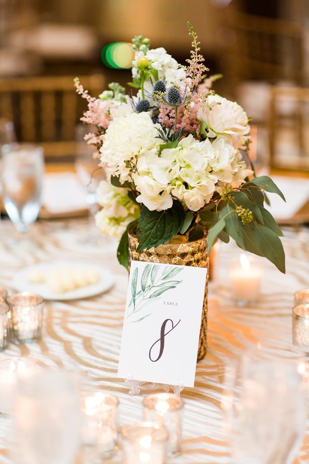 Wedding table centerpiece with gold vase - Bethanne Arthur Photography