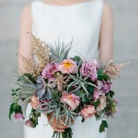 Wild wedding bouquet - Photography: Kate Osborne