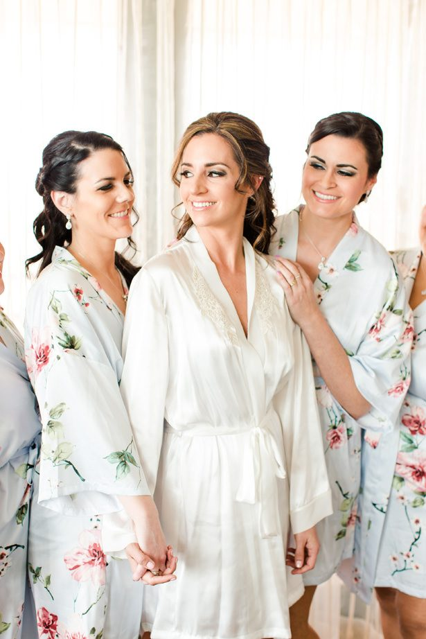 bridal party robes - Bethanne Arthur Photography