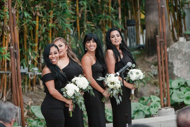 bridesmaid bouquets - Nichanh Nicole Photos