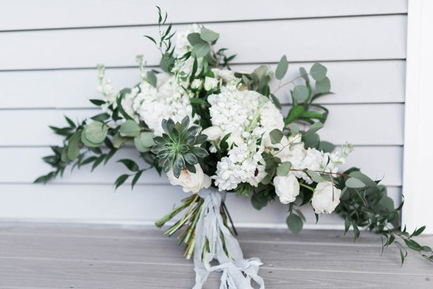 sophisticated wedding bouquet - Sarah Sunstrom Photography