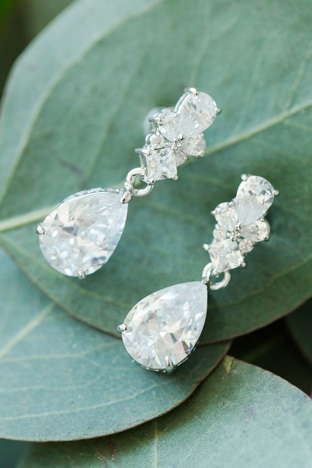 wedding earrings - Bethanne Arthur Photography
