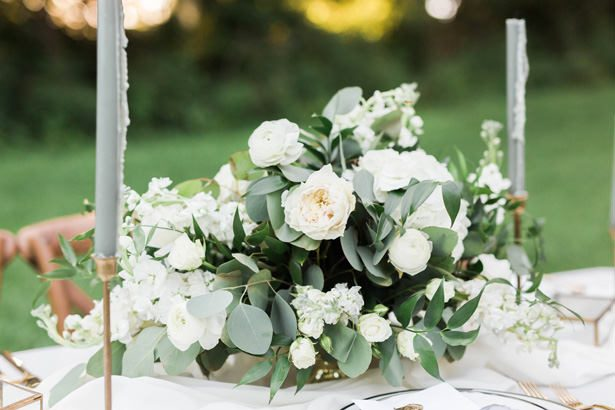 wedding table centerpiece with white roses - Sarah Sunstrom Photography