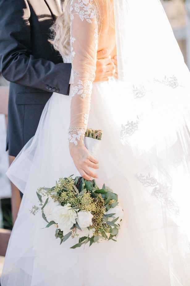white rose wedding bouquet - Nichanh Nicole Photos