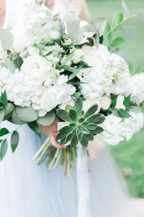 white wild wedding bouquet - Sarah Sunstrom Photography
