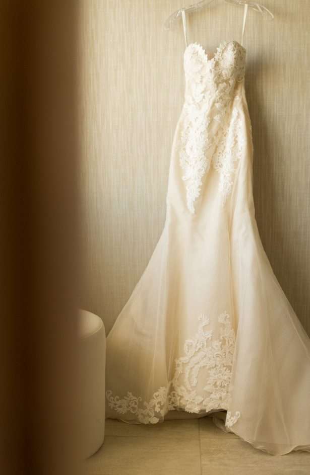 sleeveless wedding gown - Studio EMP