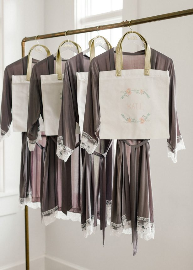 Bridesmaid robes - Photography: The Mallorys