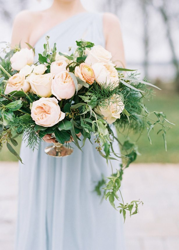 Peach garden rose wedding centerpiece - Photography: The Mallorys