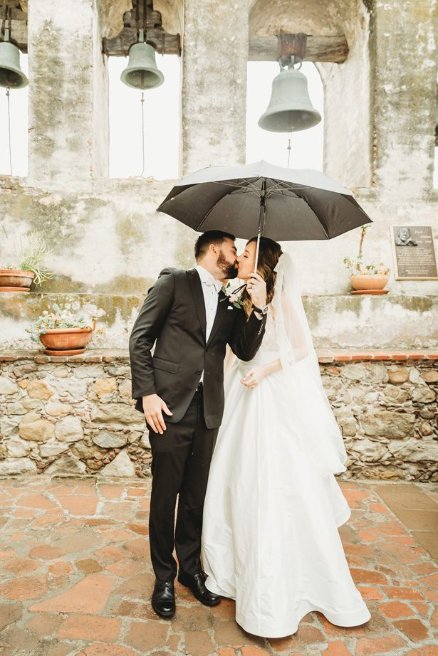 Romantic wedding photo | Rainy Day Wedding Moments - Lisette Gatliff Photography
