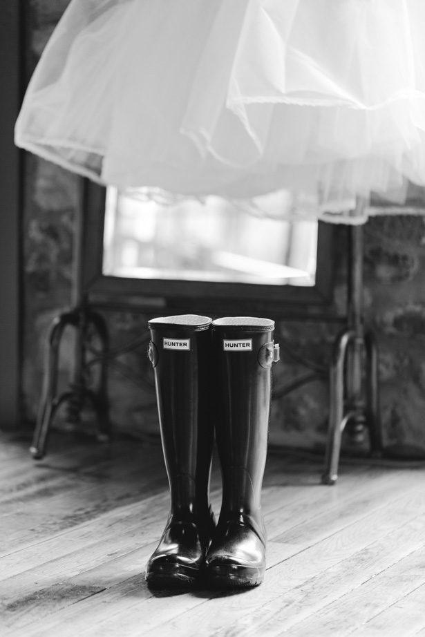Rainy Day Wedding Moments - Lauren Kearns Photography