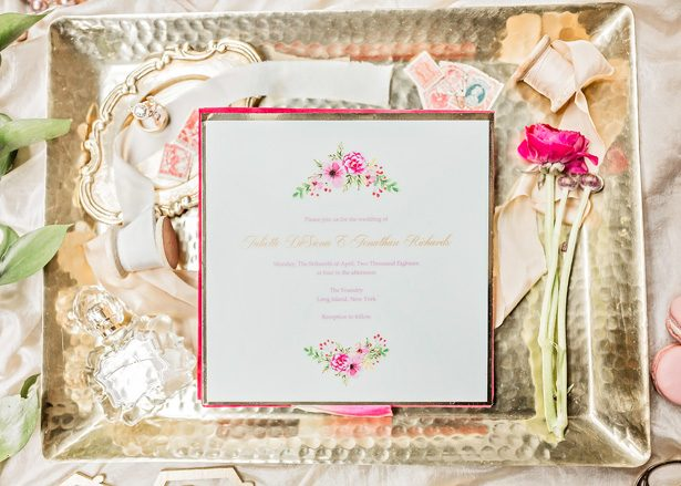 Wedding invitations - Photography: Sarah Casile Weddings