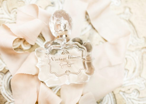 Wedding perfume - Photography: Sarah Casile Weddings