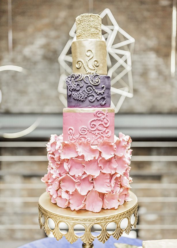 sophisticated wedding cake - Sarah Casile Weddings