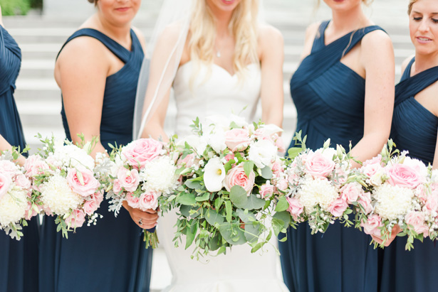 Bridal Party wild wedding bouquets - Amanda Collins Photography