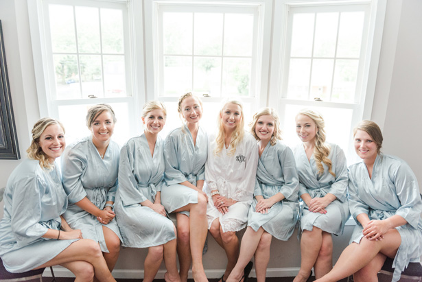 bridal party robes - Amanda Collins Photography