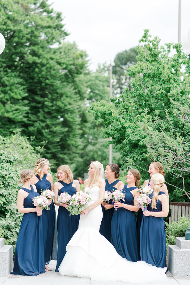 matching bridal party bouquets - Amanda Collins Photography